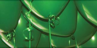 green birthday balloons