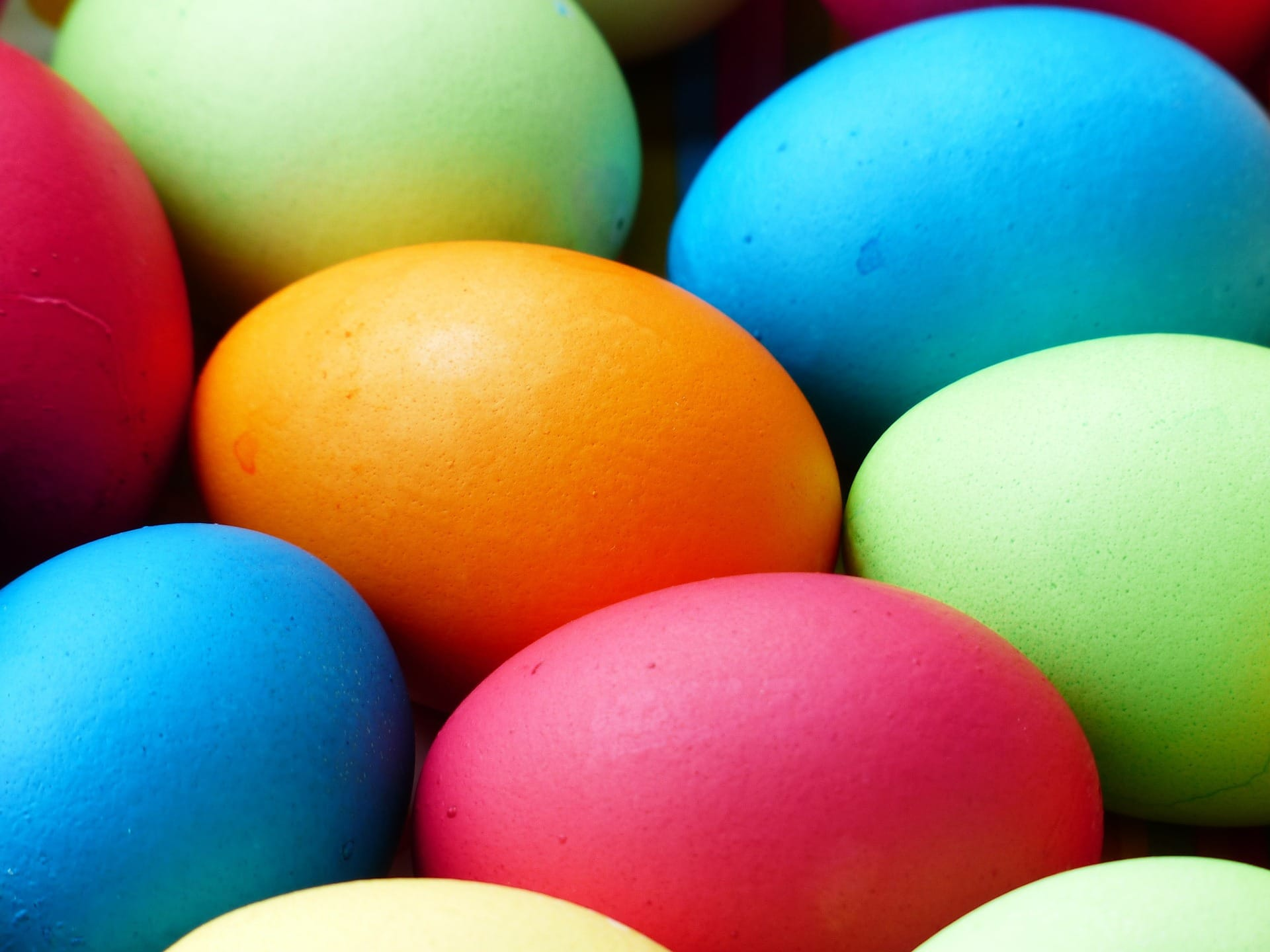 How to Color Easter Eggs with Natural Ingredients | Greener ...