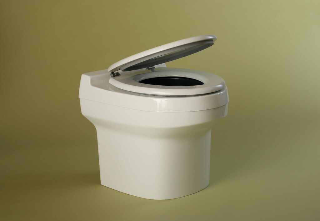 5 Reasons to Make the Switch to a Composting Toilet
