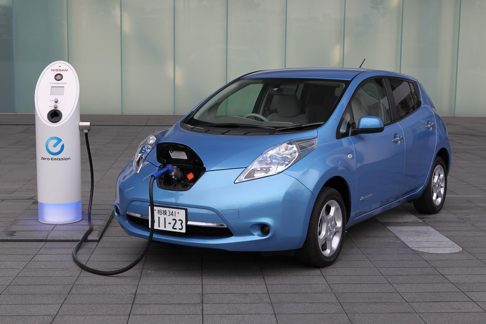 Nissan and Adopt a Charger Announce 15 Free Electric Car Charging Stations