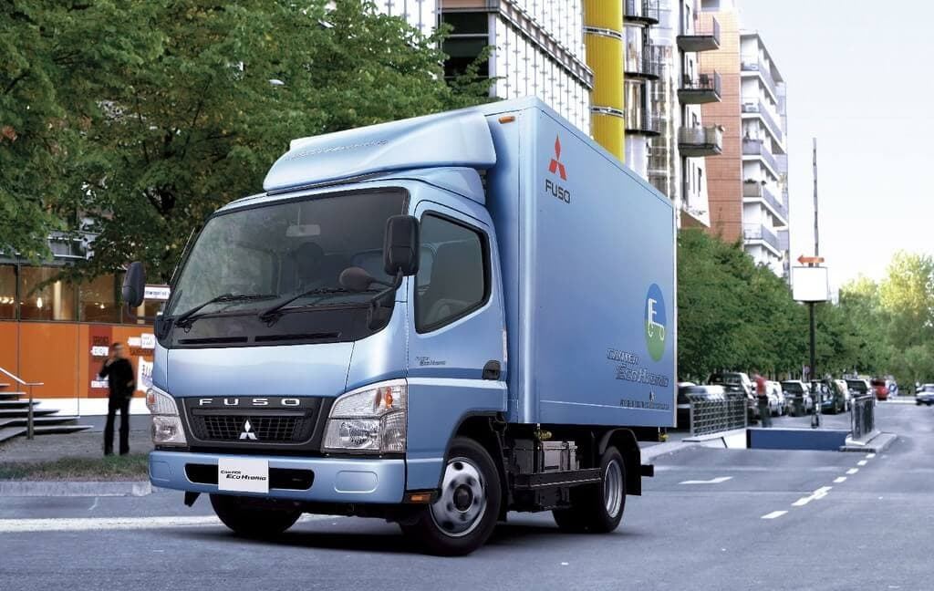 Mitsubishi Fuso Canter Eco Hybrid Truck Slated for Fall Release