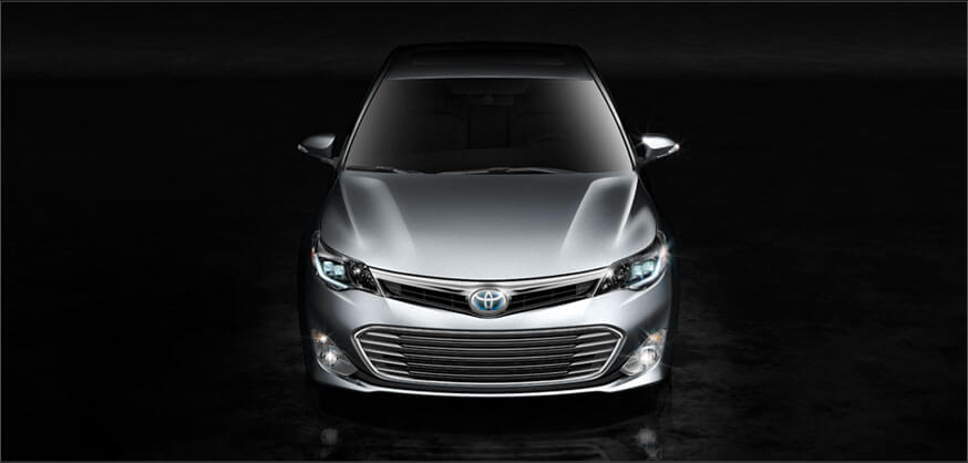Toyota Offering Hybrid, Traditional Versions of the 2013 Avalon