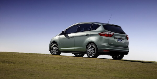 Ford C-MAX Energi Plug-in Hybrid drives 550 miles on one tank