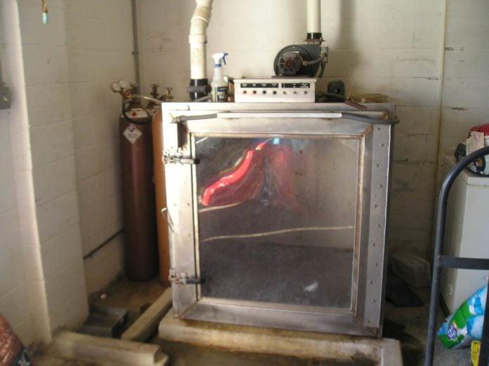 Animal gas chamber