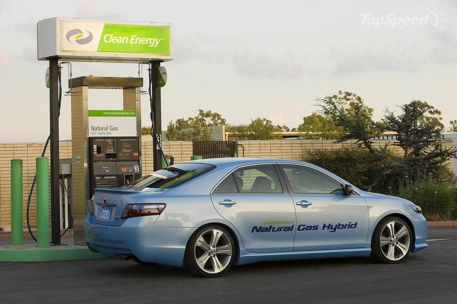 Compressed natural gas car