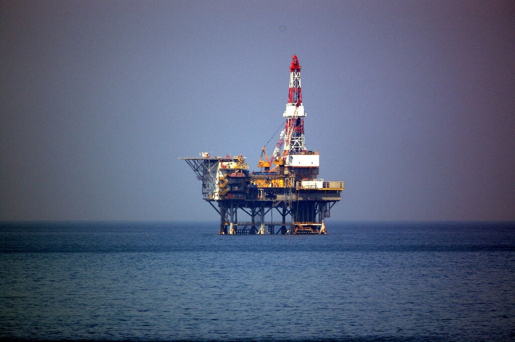 "Environmentalists say: ""Keep the Gulf oil rigs!"""