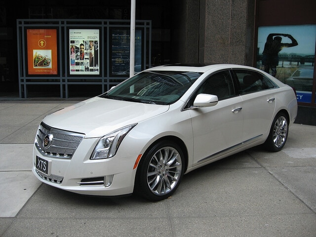 GM to Build Plug-In Cadillac in 2013