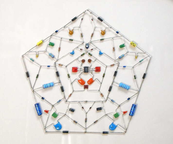 "Artist Creates ""Technological Mandalas"" From Recycled Computer Parts"