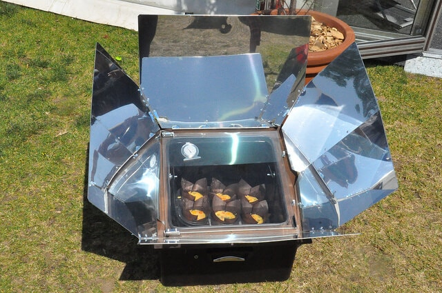 Cooking Locovore frittata in the solar oven