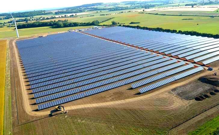 Solar Farms In England and Scotland
