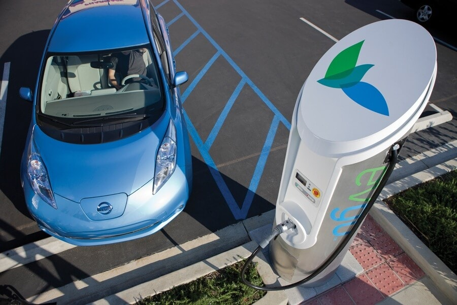 Nissan Expanding Quick-Charging Capabilities in United States