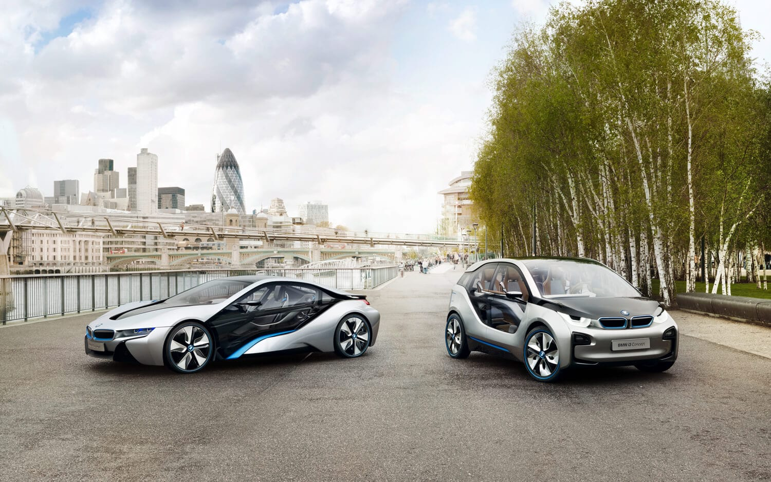 5 Hybrid Cars That Will Make You Say 'WOW'!