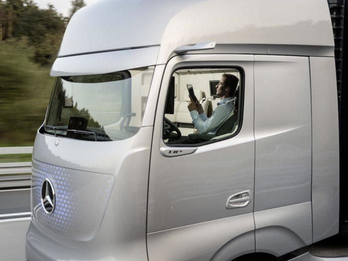 Mercedes-Benz self-driving truck