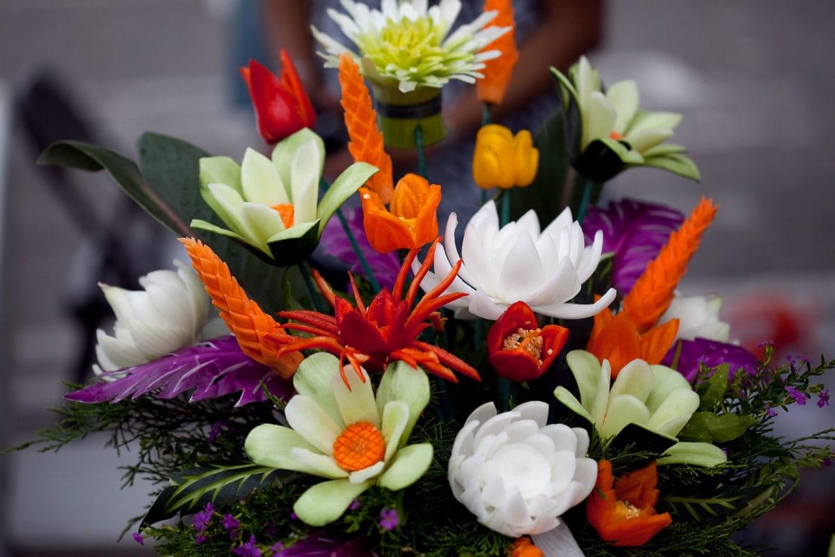 carved veggie bouquet