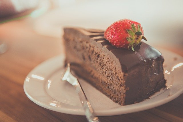 cake - heatlhy eating habits
