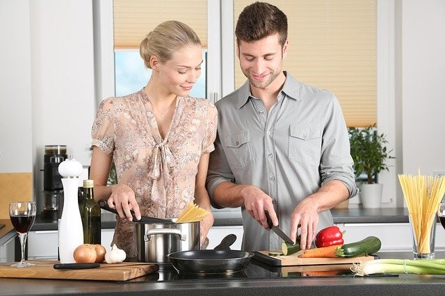 healthy eating habits -- cooking at home
