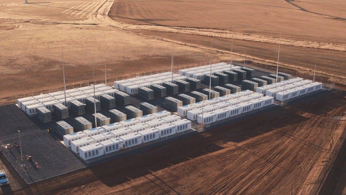 Tesla Neoen solar plant in Australia
