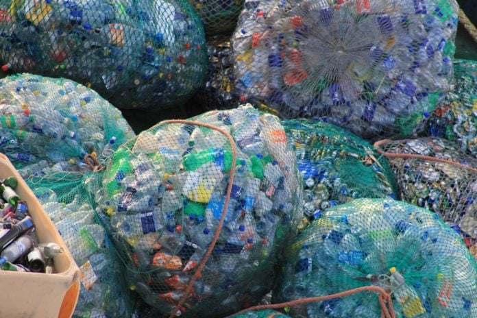 chinas-foreign-waste-ban-sparks-australia-re-think-on-plastic