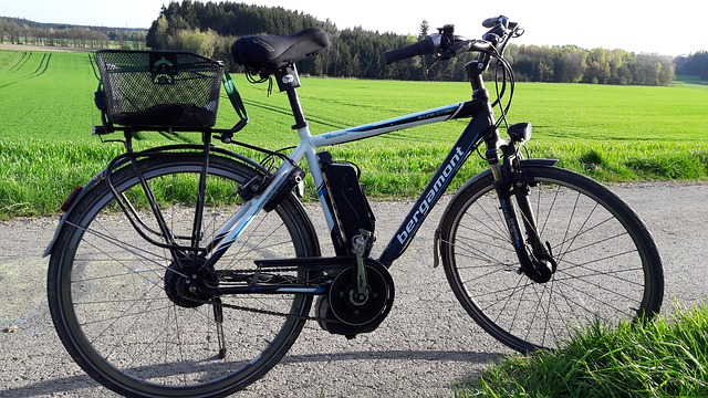 uber-rides-on-with-ebike-sharer-jump-acquisition