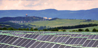 energy-store-for-solar-power-halves-energy-costs