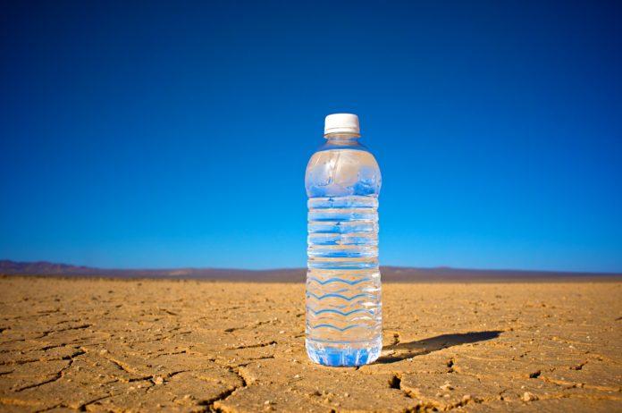 fresh-water-harvested-from-desert-air
