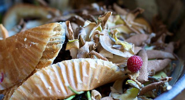 Transform-scraps-to-vegetable-broth