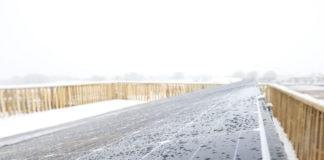 prepare-solar-panels-winter