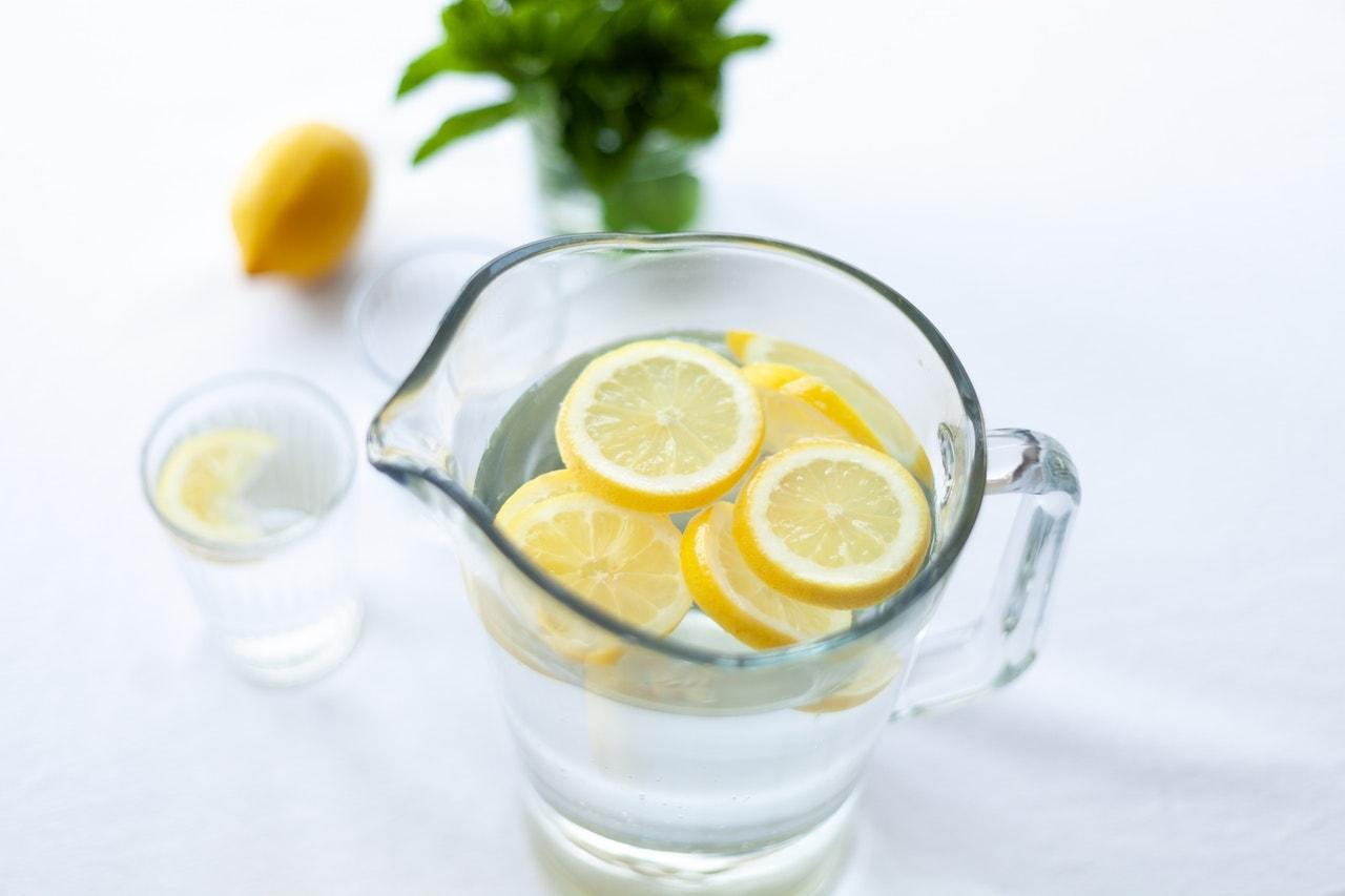 How to make lemon water