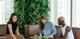 sustainable hybrid workplaces